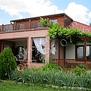 Sales House, s. Katina,